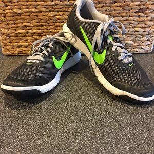 Nike | Black & Green Flex Experience RN 4